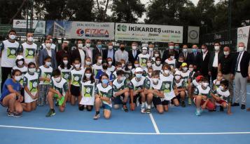 Tenisin kalbi Adana'da atıyor